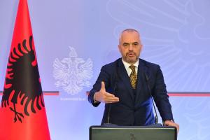 Kryeministri-Edi-Rama-ne-konference-per-shtyp1