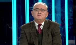 Prof. Dr. Halil Sykja, profesor i fizikës