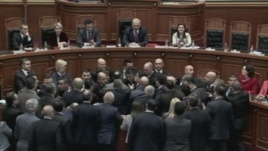 tension parlament