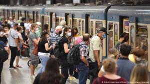 Metro Minhen maska obliguese